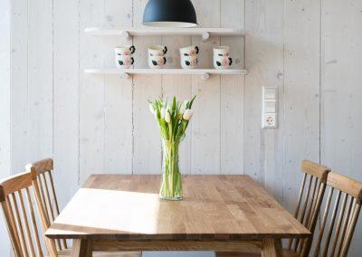 Tisch mit Tulpen